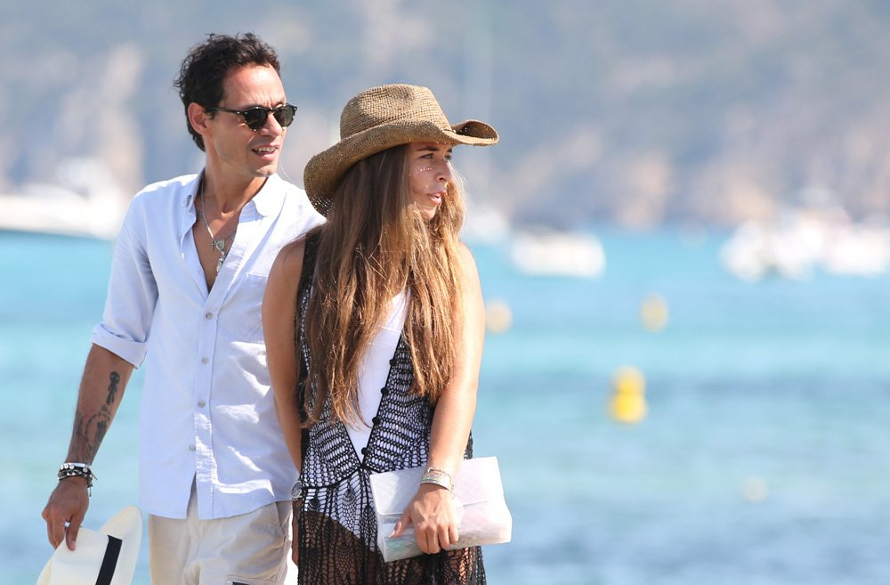 gtres u231447 011. Marc Anthony y su novia