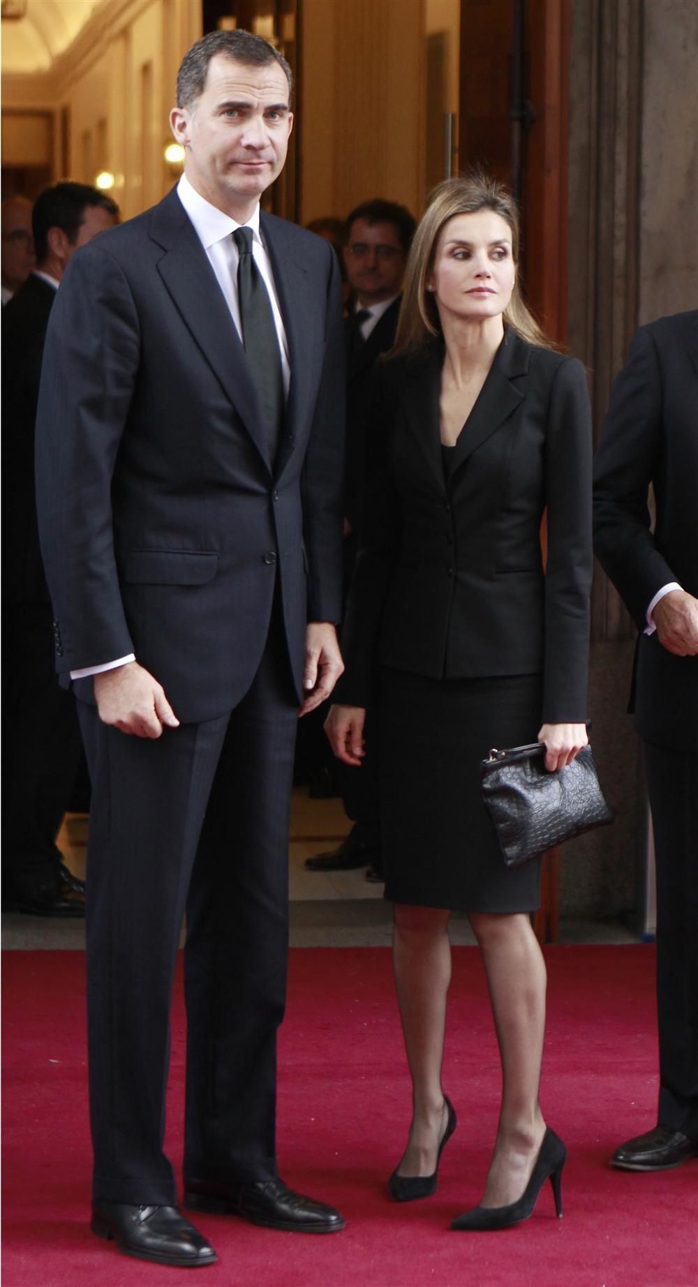 La familia real en el funeral del expresidente Adolfo Suarez Principes_de_asturias_1000x1844
