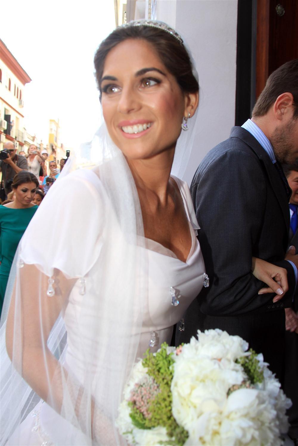 Vestido novia lourdes montes feo