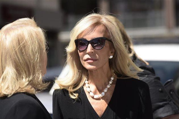 Carmen lomana y rafa no se saludaron en el entierro de su - Biografia de carmen lomana ...