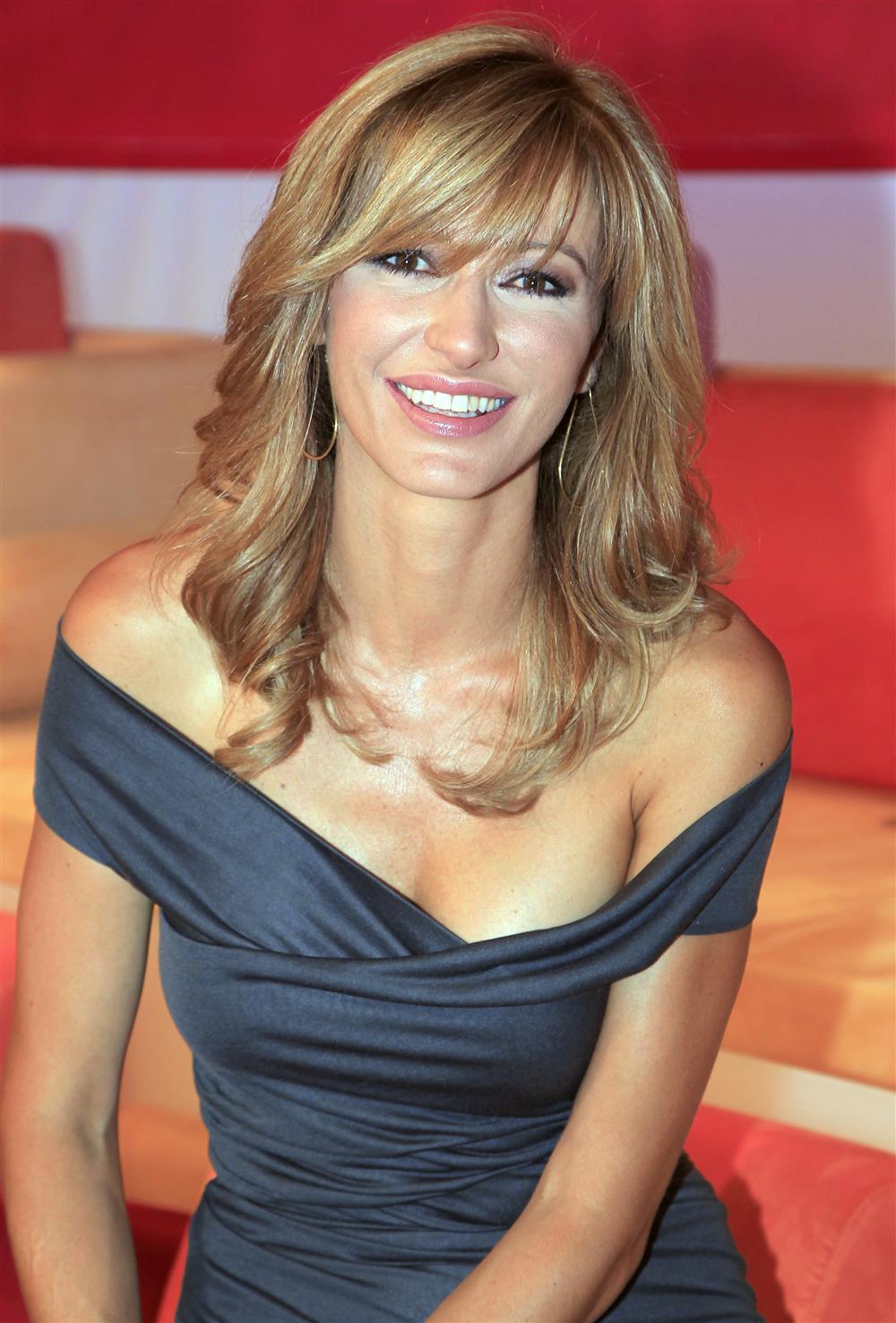 Susanna griso presentadora del programa de antena 3 dos for Espejo publico hoy completo