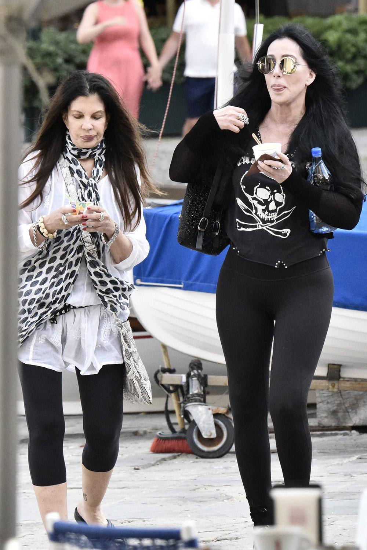 Medios especulan de nuevo sobre salud de Cher