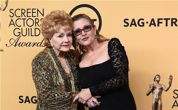 Muere Debbie Reynolds, madre de Carrie Fisher