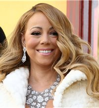 Mariah Carey ingresada de urgencia en un hospital