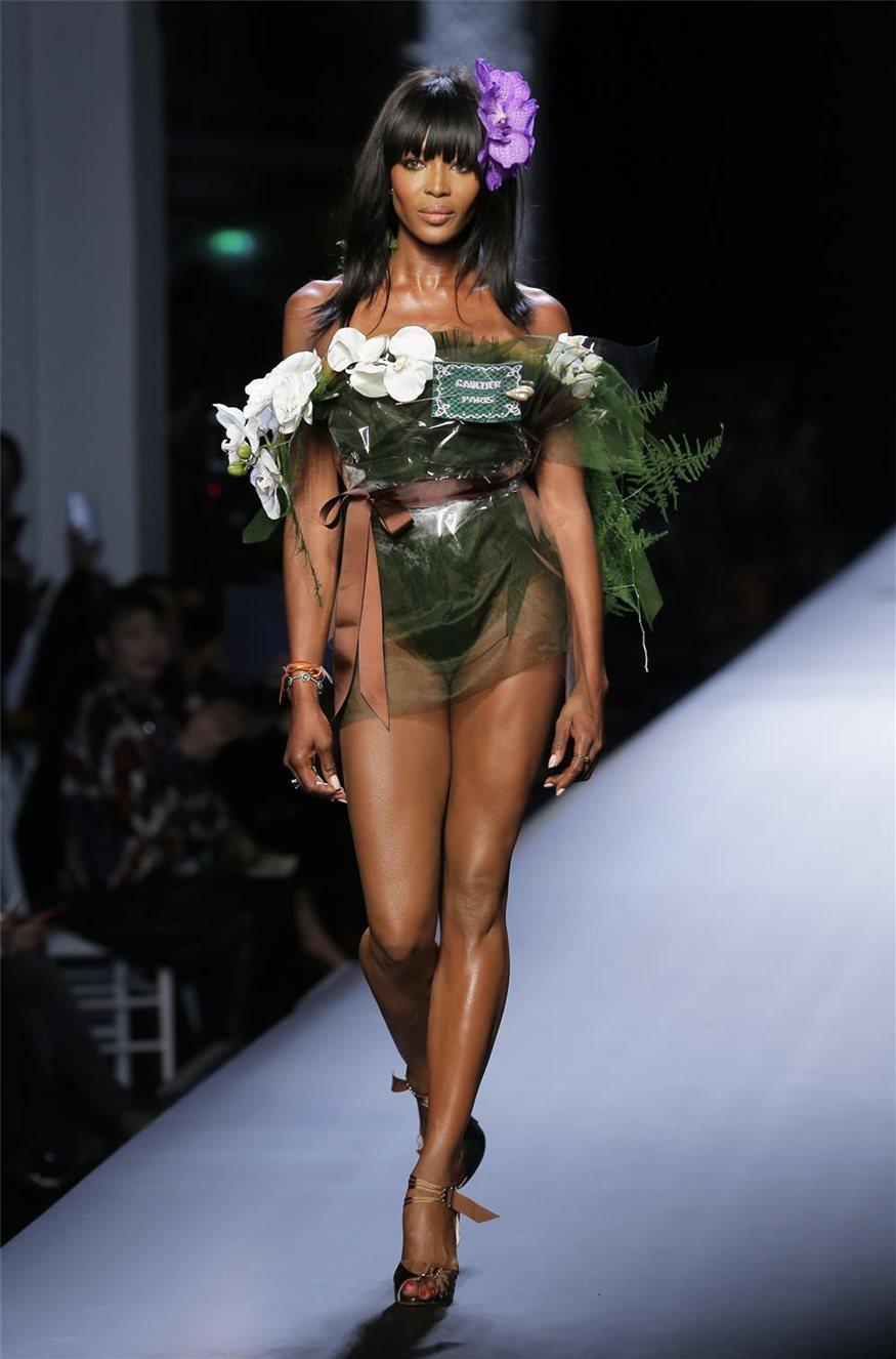 Naomi Campbell, diosa de la pasarela a los 44 años
