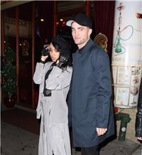 robert pattinson y su novia