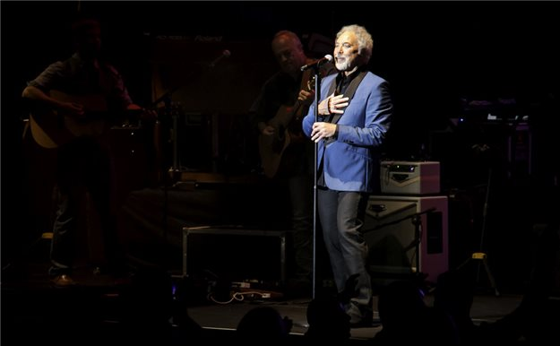 Tom Jones revoluciona Marbella