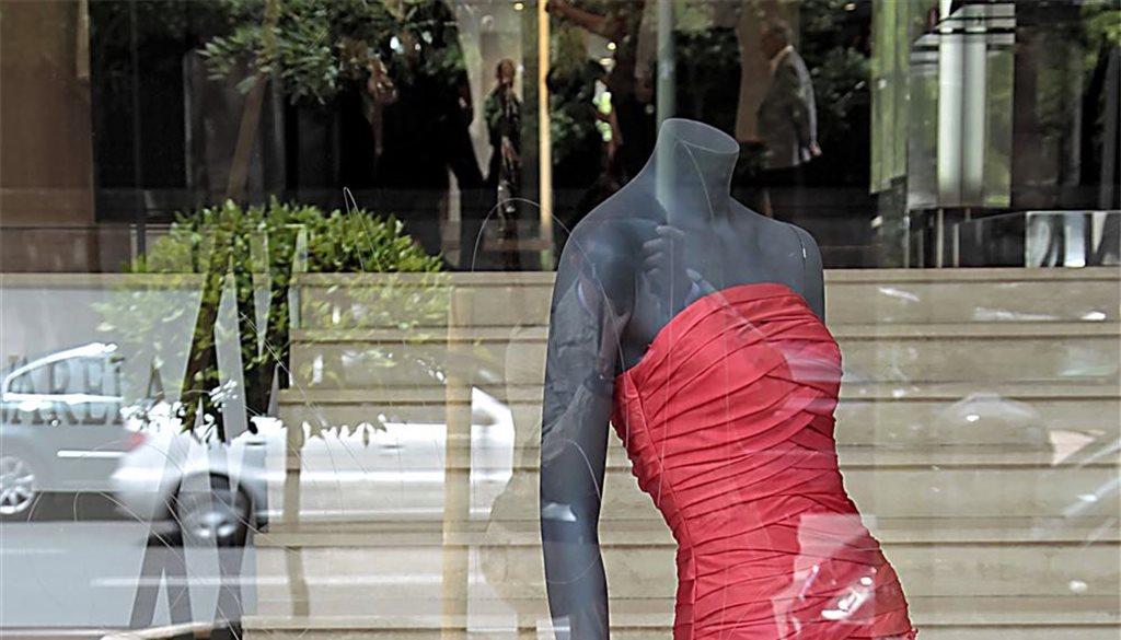 letizia dona su ropa al museo del traje