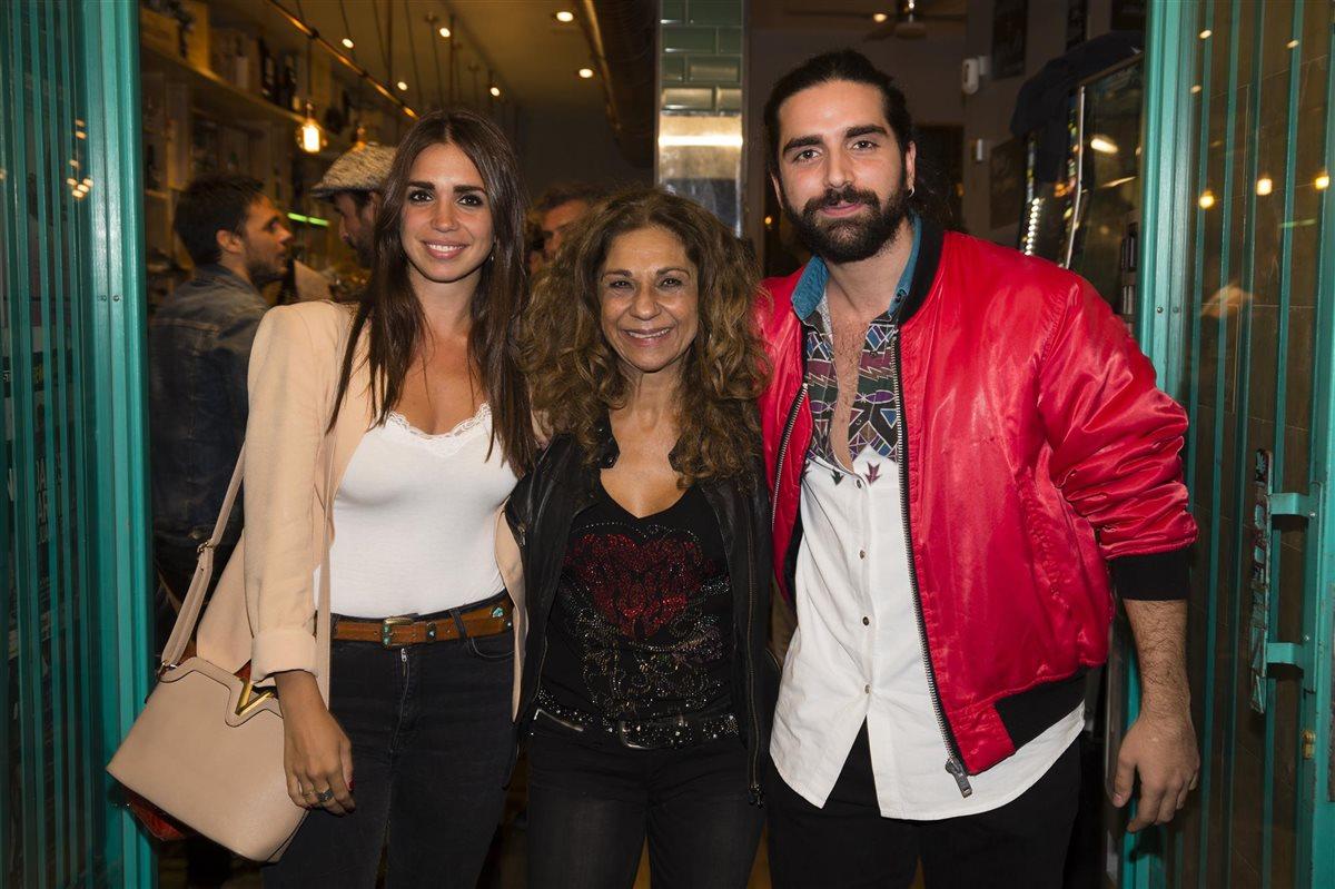 Marido comparte su mujer y se arma trio argentina amateur threesome - 3 2