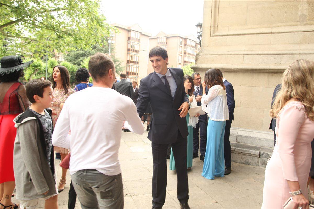 Iker muniain y su novia andrea sesma se han casado en bilbao - Mikel lopez iturriaga novio ...