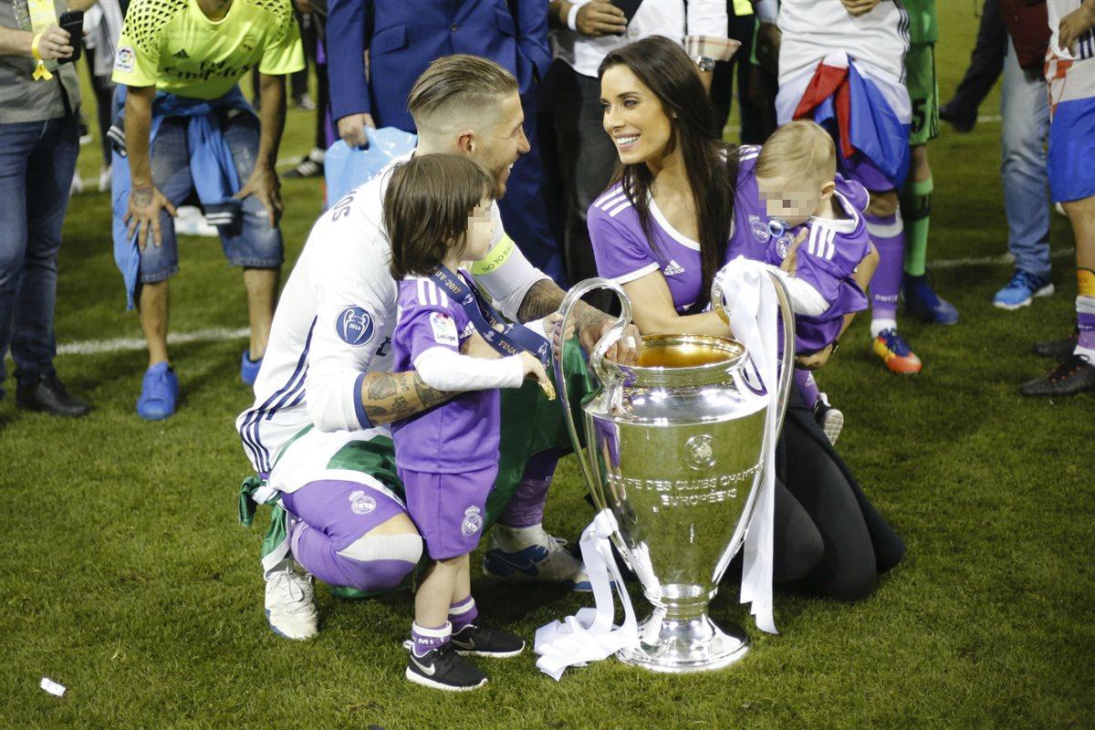 Los Jugadores Del Real Madrid Celebran La Champions Con Sus Hijos