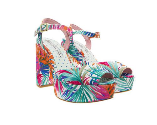 Mar a teresa campos crea su propia firma de zapatos for Sala 8 y medio alicante