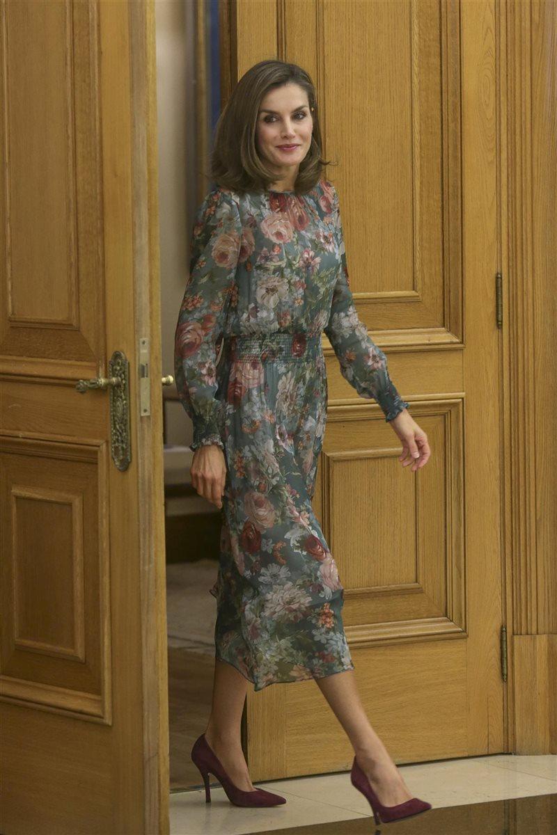 c32434b61 Un vestido low-cost de lo más elegante.