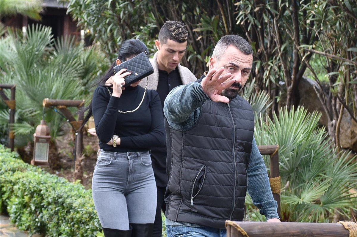 Cristiano Ronaldo Y Georgina Sus Planes Por El Cumplea Os De Ella # Muebles Georgina