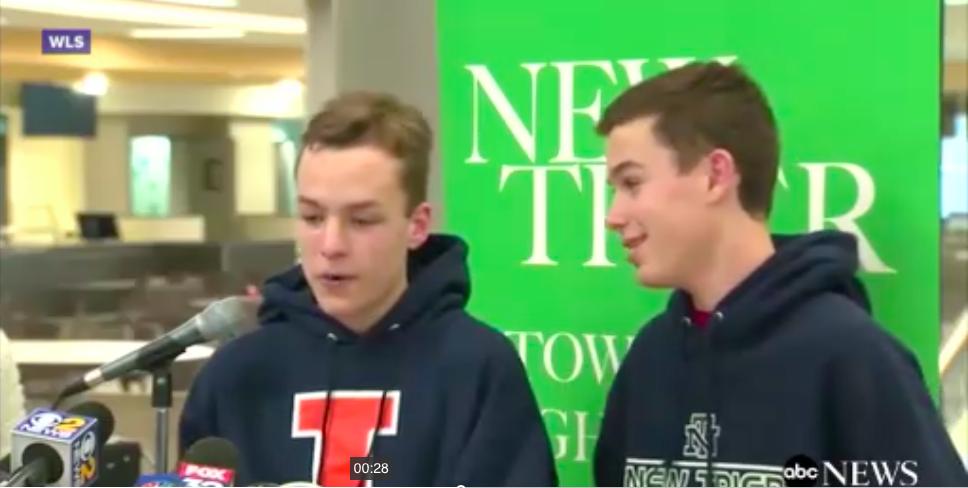 Escuela bate Récord Guiness por tener mayor número de gemelos