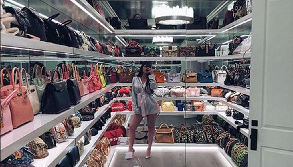 Esto Es Lo Que Cuesta El Lujoso Armario De Bolsos De Kylie