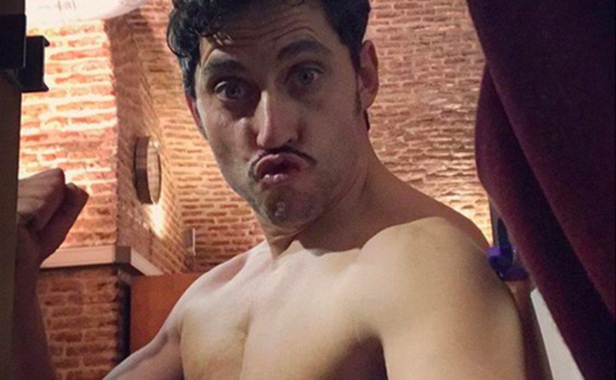 Paco León Celebra Su Millón De Seguidores En Instagram Con Un Desnudo
