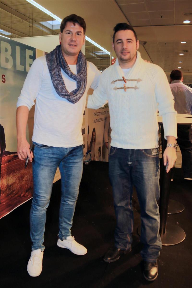 ¿Cuánto miden Andy y Lucas? - Altura - Página 2 Andy-y-lucas_ed261775_800x1200