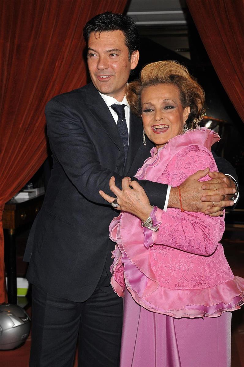 Hablar De Y Carmen Se Emociona Juan Al Medio Sevilla FJTKcl13