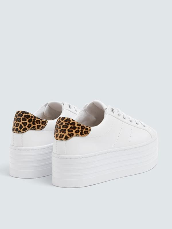 Pull & Bear. Un toque de leopardo