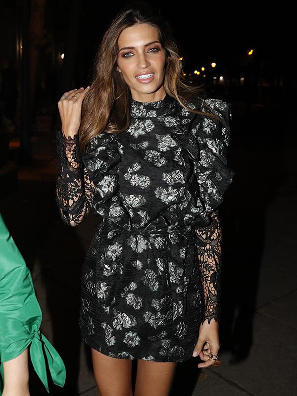 fb29bdc79 Sara Carbonero tiene el look perfecto para nochevieja