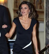093d3ca2c La Reina Letizia sorprende de nuevo con un estilo de lo más sensual