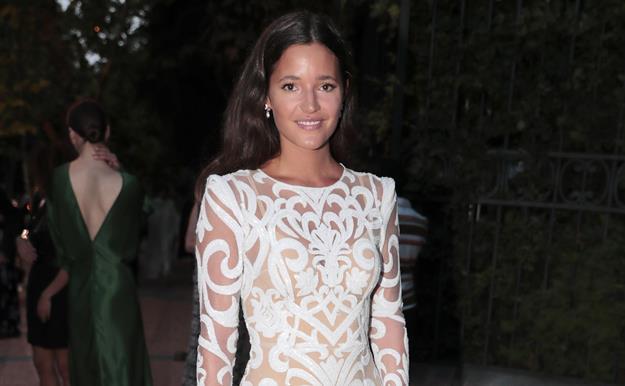 3c60d1b6e Malena Costa tiene los tacones perfectos para aguantar en una boda