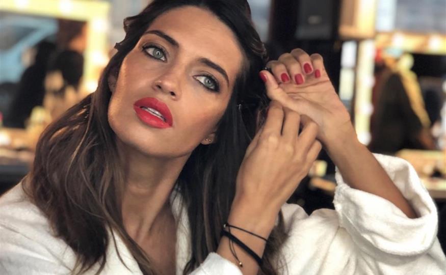 b3a6ebeb601f Sara Carbonero tiene la prenda de Zara perfecta para el invierno