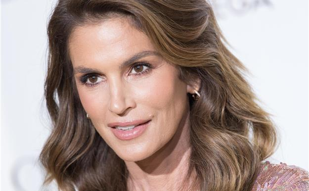 Cindy Crawford arrasa en instagram con su foto más natural