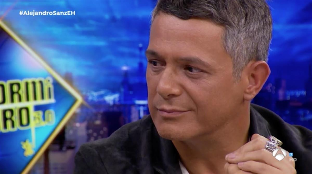 Alejandro Sanz aplazó la promoción de su disco porque padece una neumonía