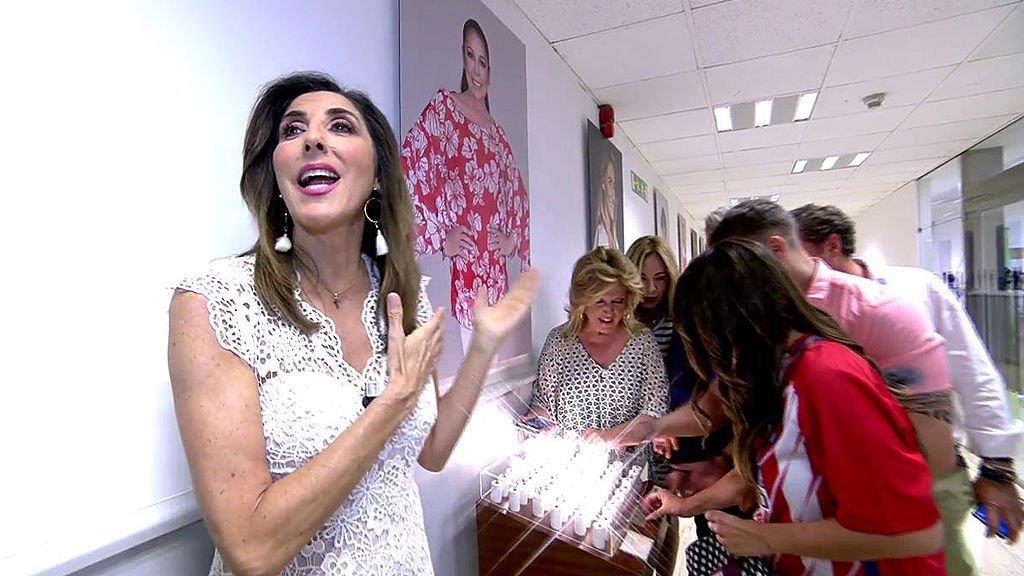 El controvertido gesto de Paz Padilla hacia Sandra Barneda en 'Sálvame'