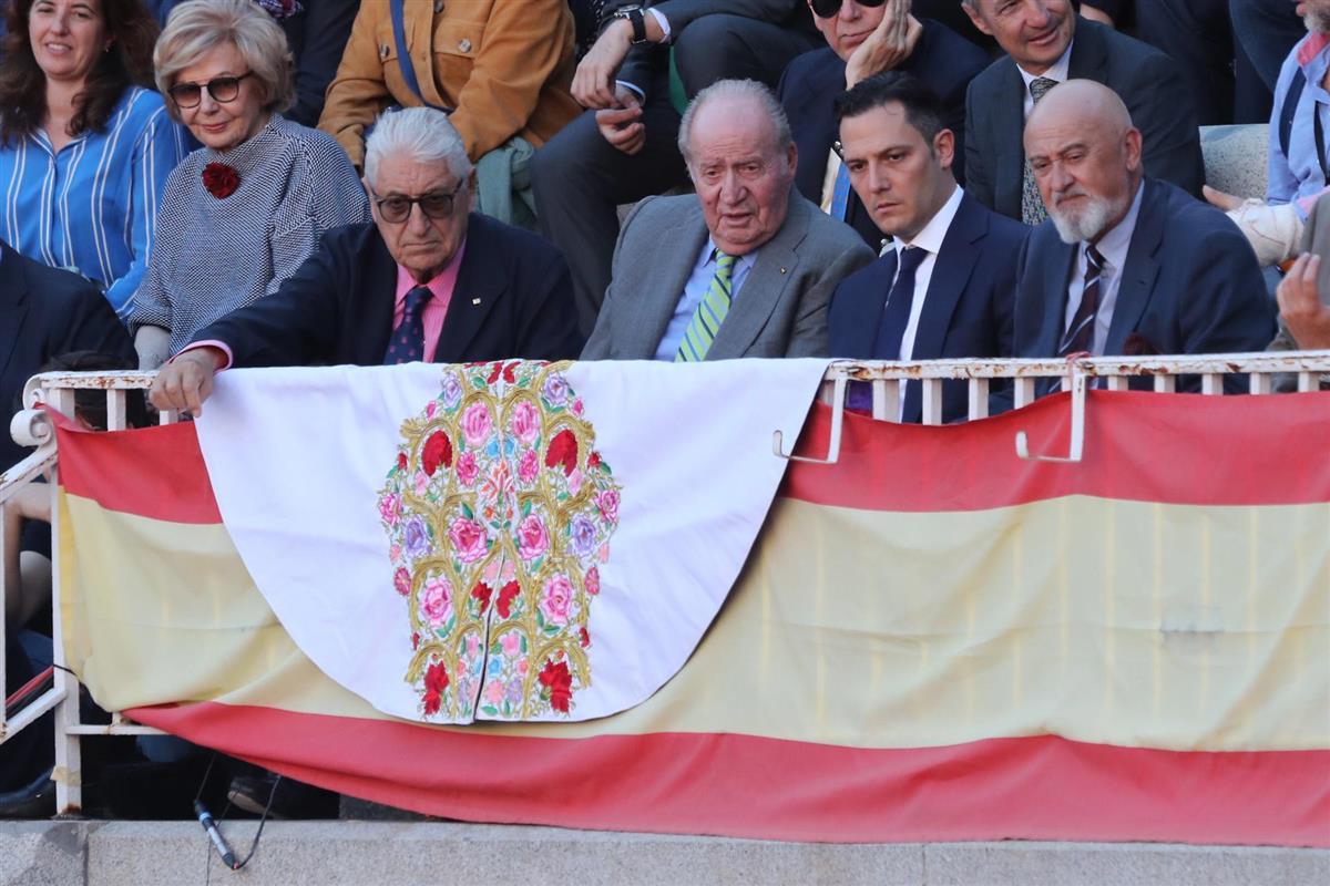 La ausencia de Letizia y Sofía enmarcan la despedida del rey Juan Carlos, ¿por?
