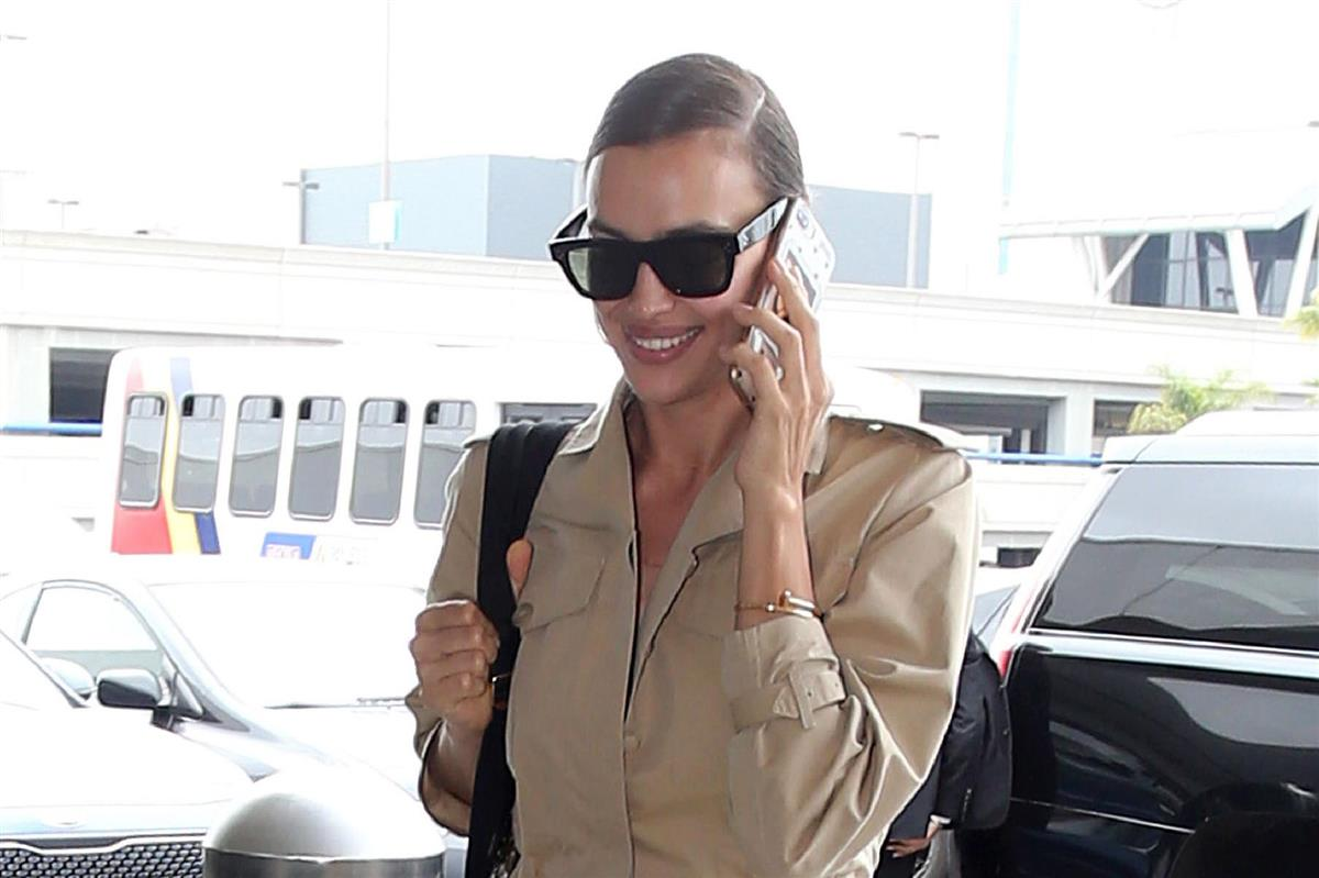 2b1254d2cf Irina Shayk y Bradley Cooper: la modelo luce sonrisa tras su ruptura