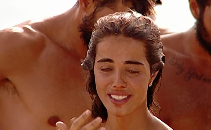 Violeta abandona obligada 'Supervivientes' y con una promesa como consuelo