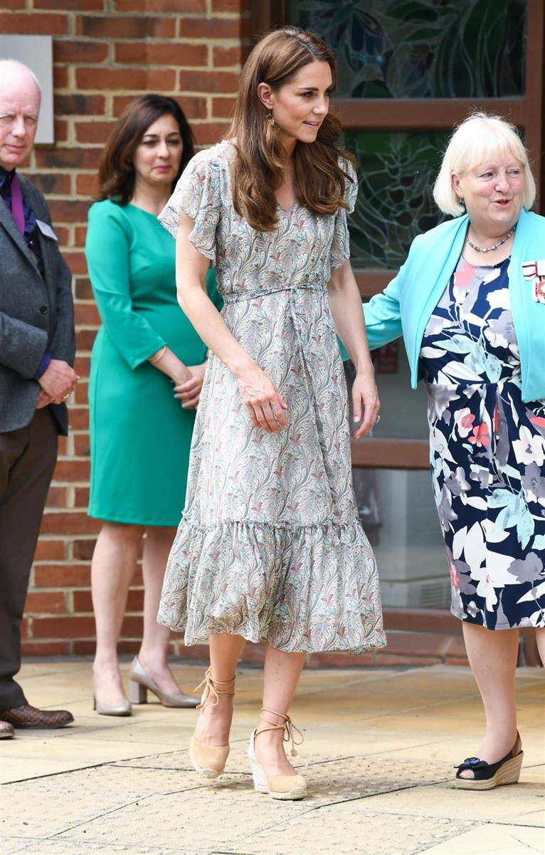 Kate Middleton Da La Bienvenida Al Verano Con Un Vestido Muy