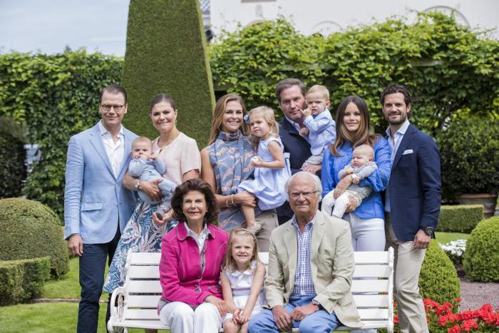 El rey de Suecia recorta los miembros de la familia real