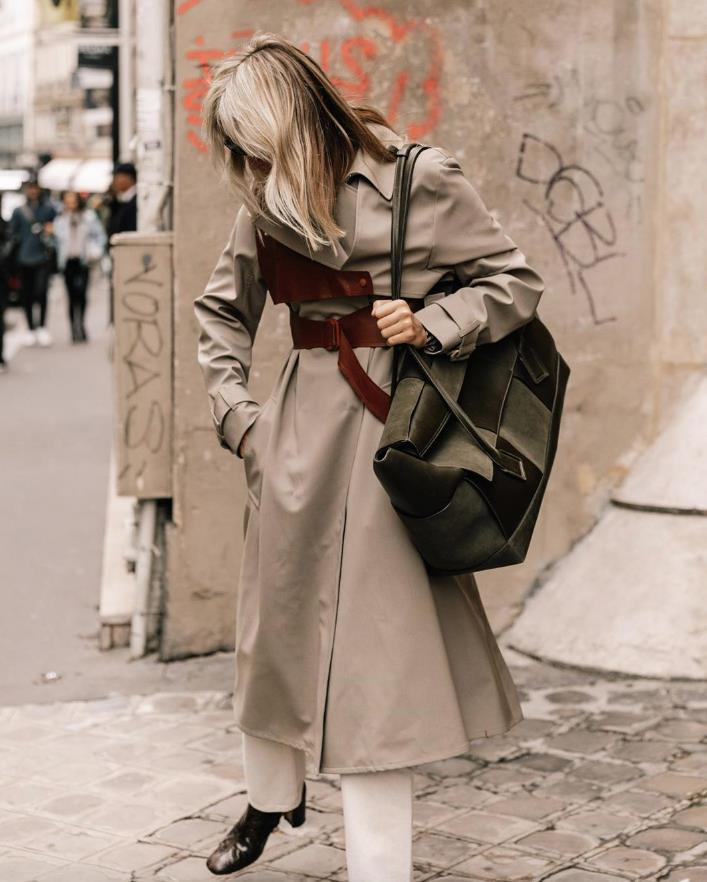 @collagevintage2. El trench