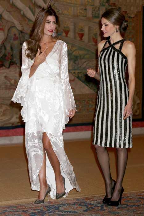 El Vestido Gris De La Reina Letizia Y Otras Prendas