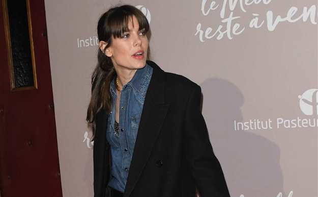 Carlota Casiraghi nos da las claves para incluir varias tendencias en un mismo look