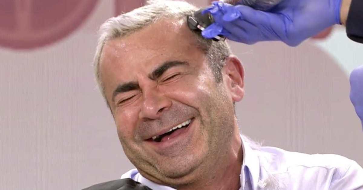 Jorge Javier se deja rapar el pelo por Kiko Matamoros en directo