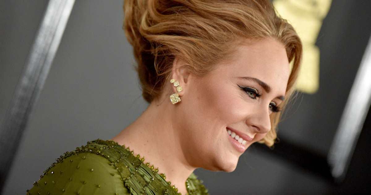 Adele muestra su cambio físico y logra agotar este vestido negro en horas