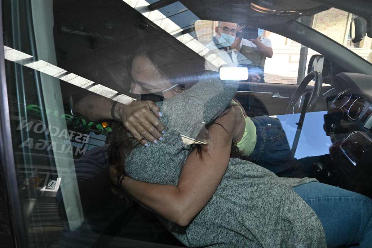 Rocio Flores y Olga Moreno. DL u459523 014