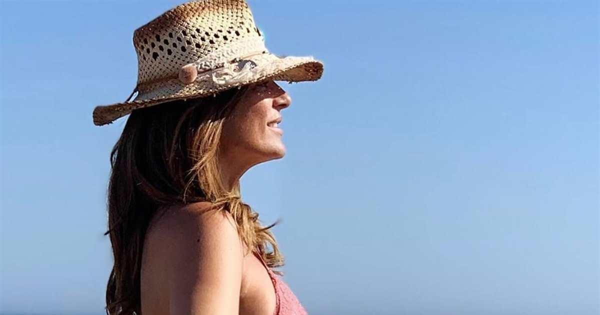 Raquel Bollo presume de cuerpazo con una imagen en bikini desde la playa