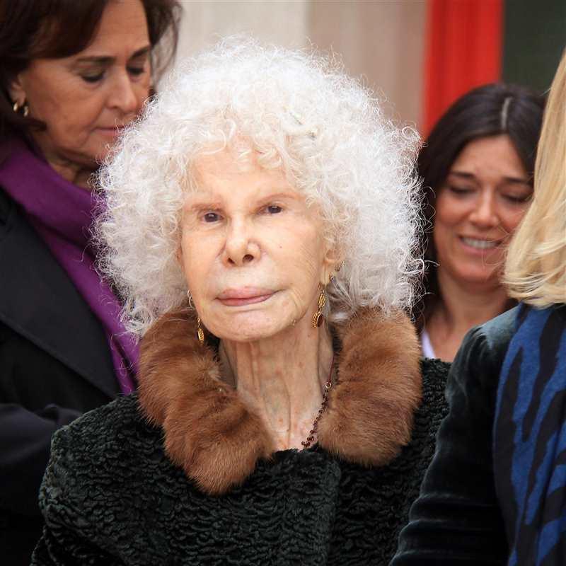 Duquesa De Alba Fallece A Los 88 Años Dejando Una Polémica Herencia