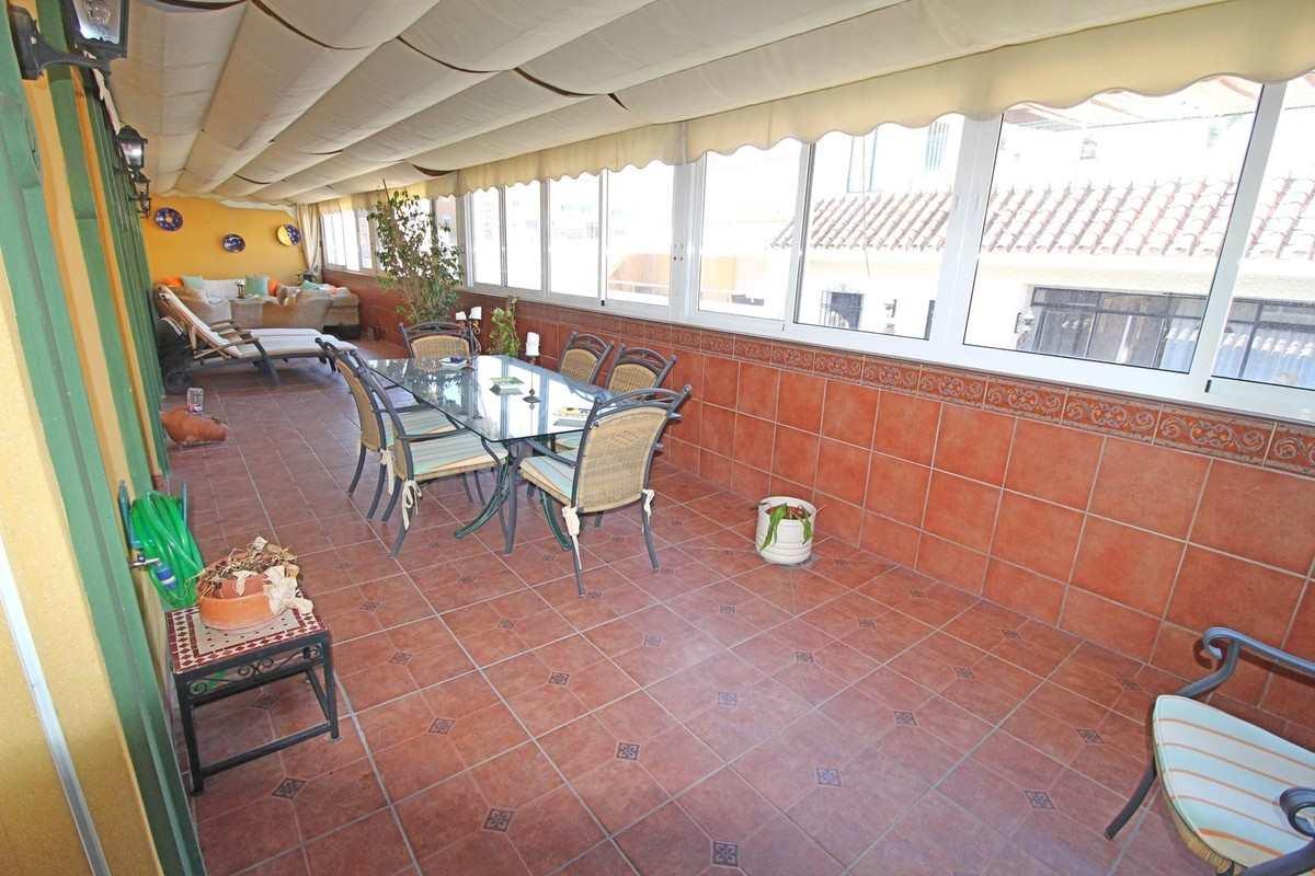 Isabel Pantoja pone a la venta su ático en Fuengirola: todas las imágenes
