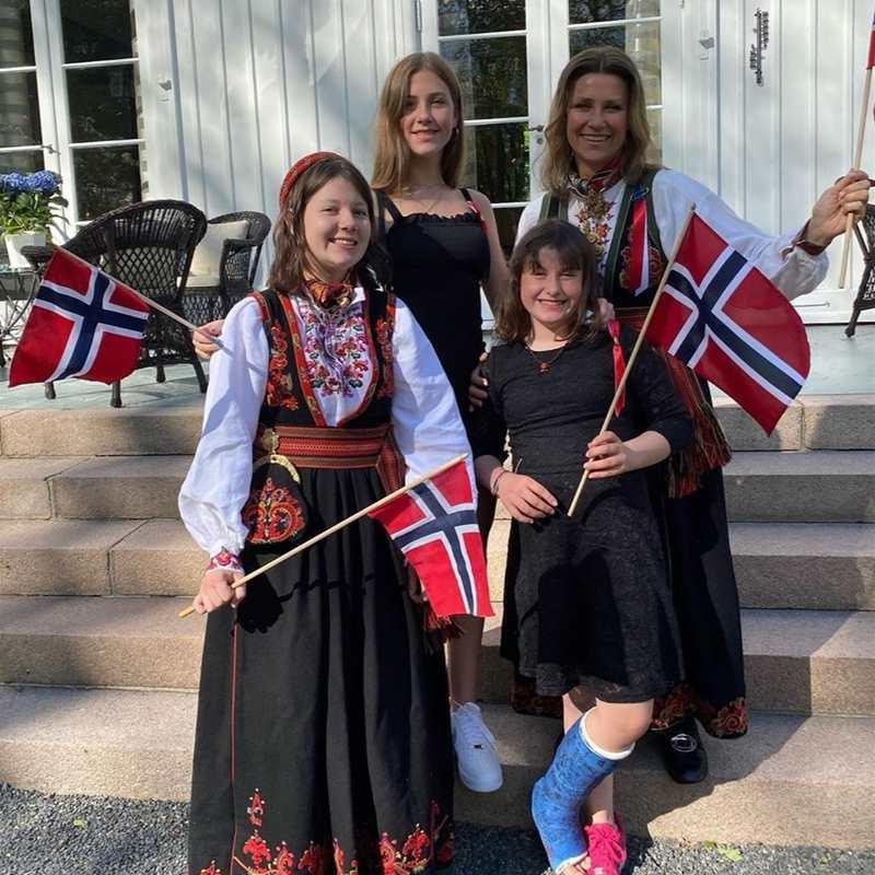 Marta Luisa de Noruega, sus hijas ¡y Durek Verret! se atreven con los vídeos virales
