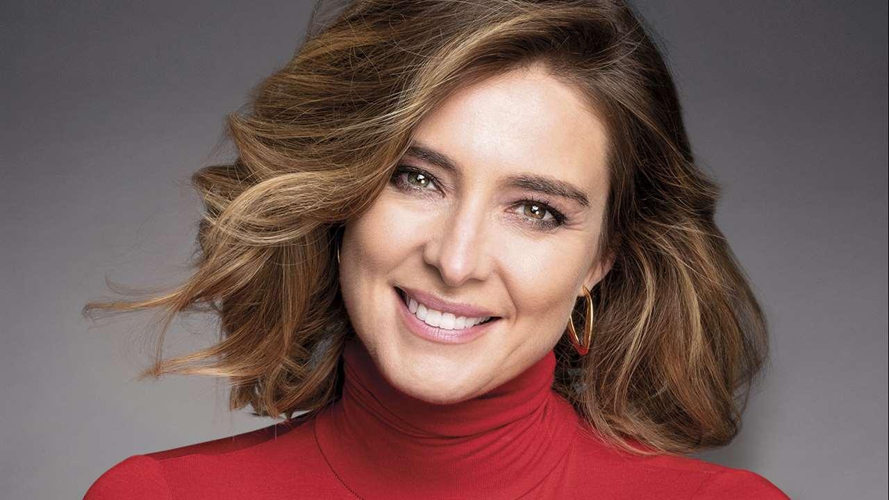 Sandra Barneda estrena 2021 desde la portada de la revista Clara