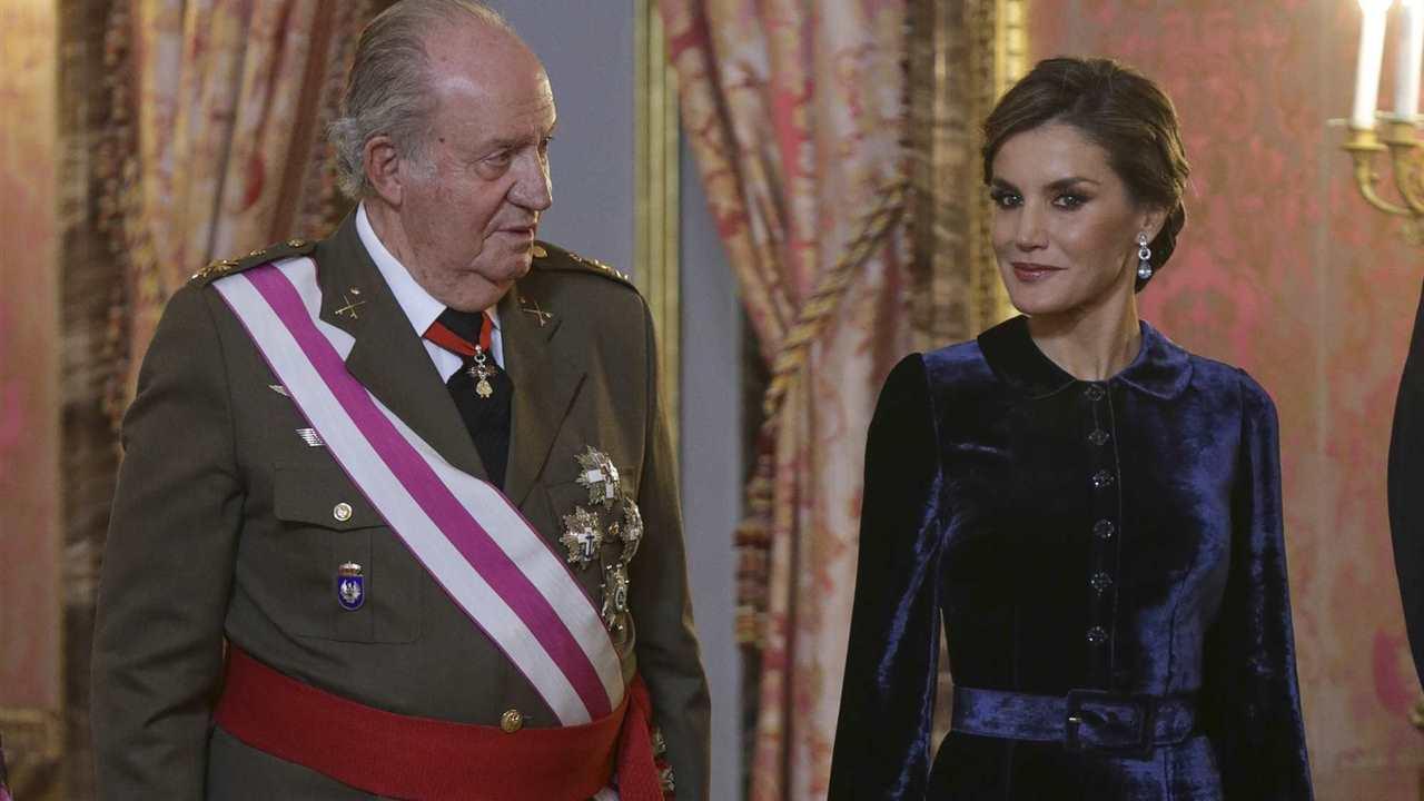 La prensa internacional cree que la reina Letizia se está vengando del rey Juan Carlos