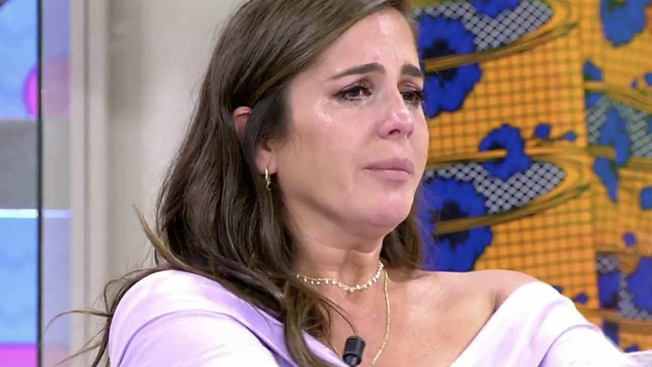 Anabel Pantoja y Belén Esteban se saltan los protocolos en una polémica reconciliación