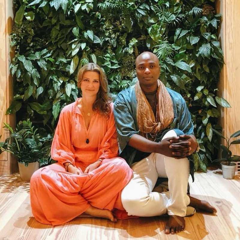 Durek Verret, pareja de Marta Luisa de Noruega, muestra sus dotes de chamán en un 'reality'